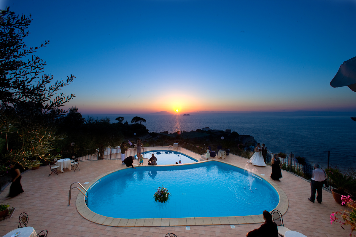 piscina-tramonto1